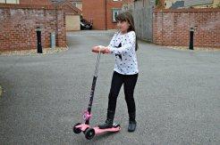 halfords-scooter-tips-tricks-pop-up-wheelie-roo