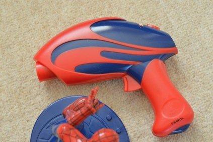 megableu-spider-man-chase-rhino-game-laser-gun