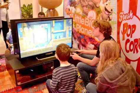 playstation-family-gaming-little-big-planet-tigger