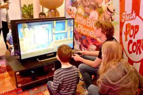 playstation-family-gaming-little-big-planet-tigger