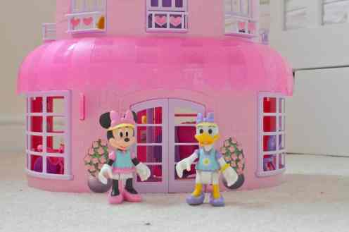 Minnie Mouse's Happy Helpers House and Office - Minnie Mouse and Daisy Duck