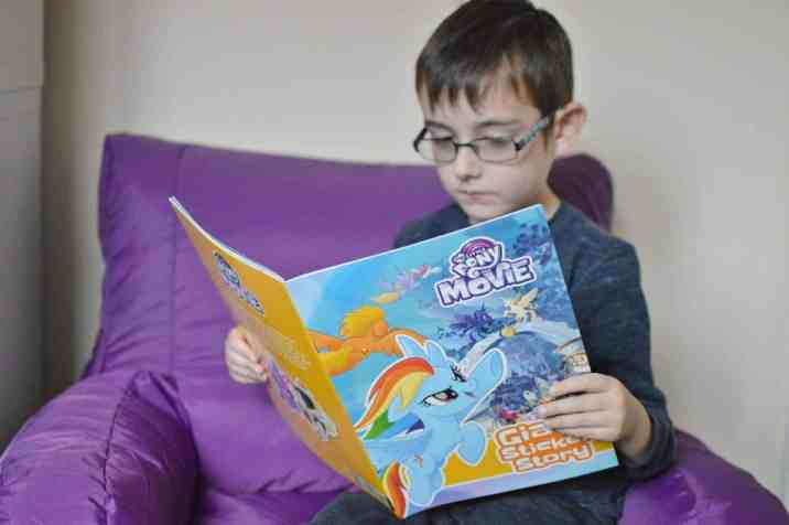 My Little Pony Movie Giant Sticker Storybook with colouring - Tigger reading