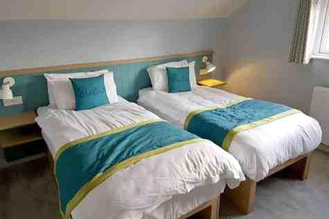 Butlins Minehead Lakeside Chalet - Upstairs Twin Bedroom