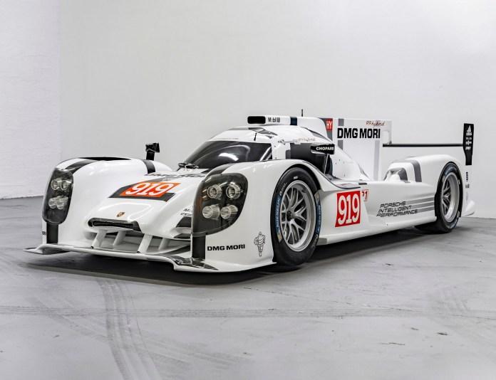 Hvis du altid har drømt om, at have en Le Mans-ræser holdende, er det måske lige om lidt, du skal slå til. Men denne Porsche 919 Hybrid mangler motoren