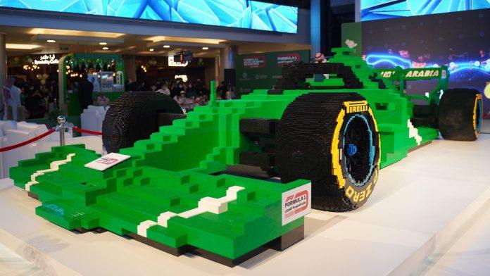 I 2019 brugte Ferrari 350.000 legoklodser på at bygge en Formel 1-bil. Det er nu overgået og anerkendt af Guinness World Records. Der skal nu 500.000 klodser til.
