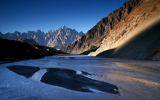 Pakistan: View from Lord of the Rings
