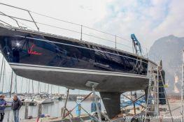 Rücktransport einer Comfortina 38 zum Gardasee nach Lackierung der Bordwände durch Bootswerft Baumgart