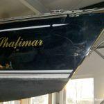Der Bug einer Comfortina 38 Segelyacht