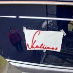 Neuer Schriftzug für den Bootsnamen