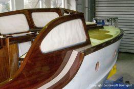 Lackiervorbereitungen am Führerstand der Rapsody 29 in der Werfthalle der Bootswerft Baumgart in Dortmund