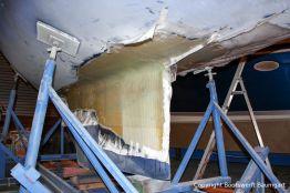 Reparatur des Kiels der LM 28 Segelyacht in der Werfthalle der Bootswerft Baumgart in Dortmund