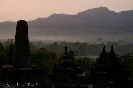 Borobudur-mist-2