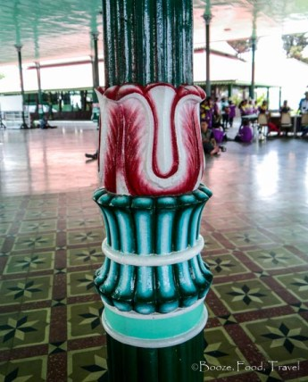 sultan's palace pillar