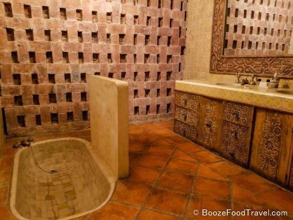 casa luna bathroom