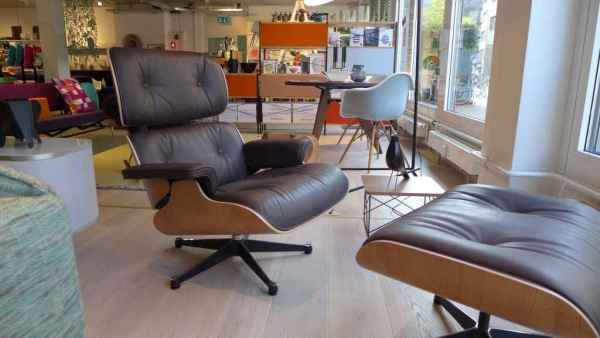 Lounge Chair & Ottoman 1