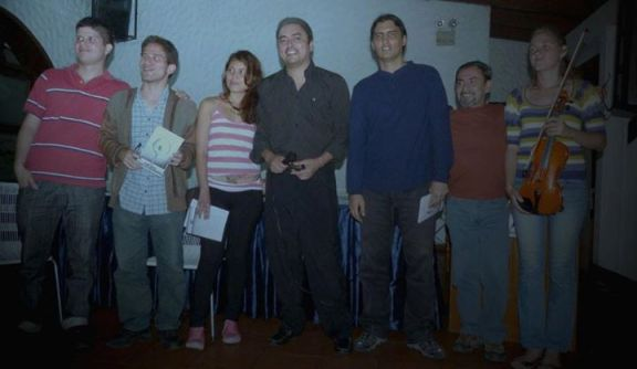 T.I.PO presentando su primer libro en la Peña Literaria Manuel F. Rugeles