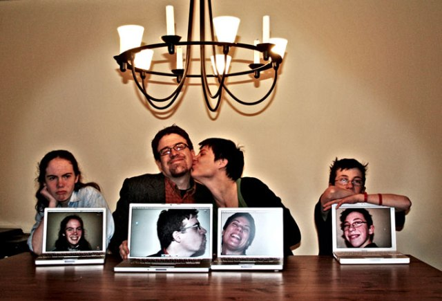 Parallel World. Ever thinking about shooting 2 creative family portraits into 1? This is one unique way, well executed by Roberta Taylor.