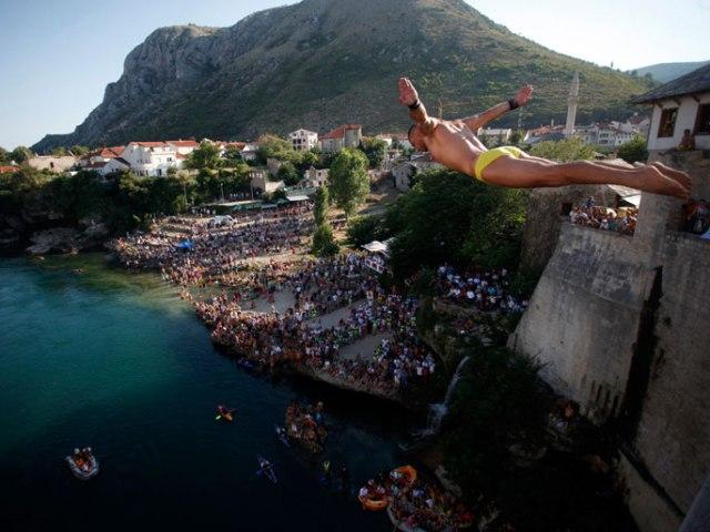 mostar bridge diving3
