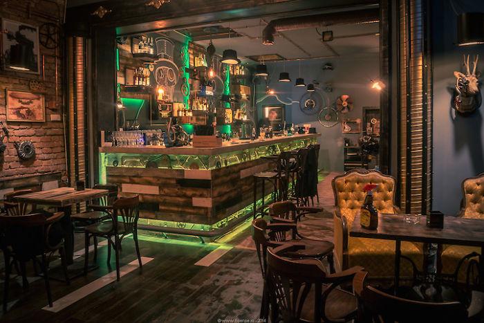 amazing-restaurant-bar-interior-design-15