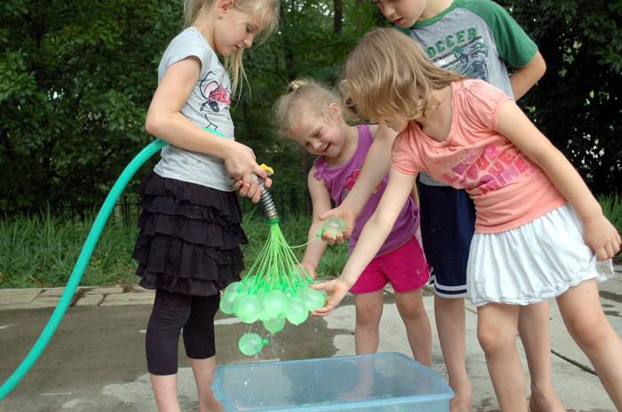 https://i2.wp.com/www.boredpanda.com/blog/wp-content/uploads/2014/07/water-balloon-bunch-o-balloons-josh-malone-1.jpg