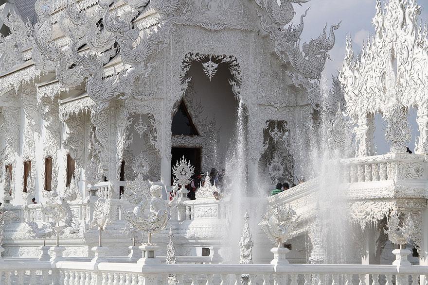 white-temple-thailand-20