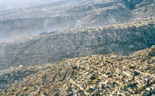 contaminacion-planeta-sobredesarrollo-sobrepoblacion-exceso (15)