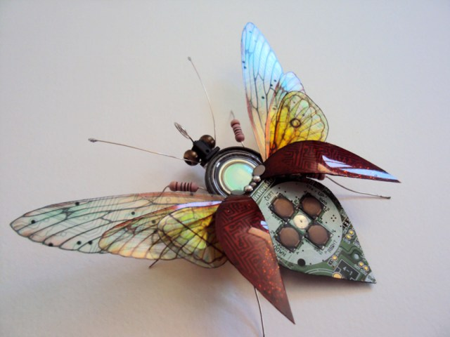 insectos-alados-componentes-electronicos-julie-alice-chappell (8)