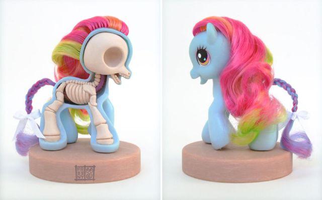 esculturas-juguetes-personajes-anatomia-jason-freeny (13)