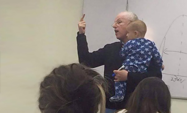 profesor-sydney-engelberg-calma-bebe-clase-universidad-jerusalen (3)