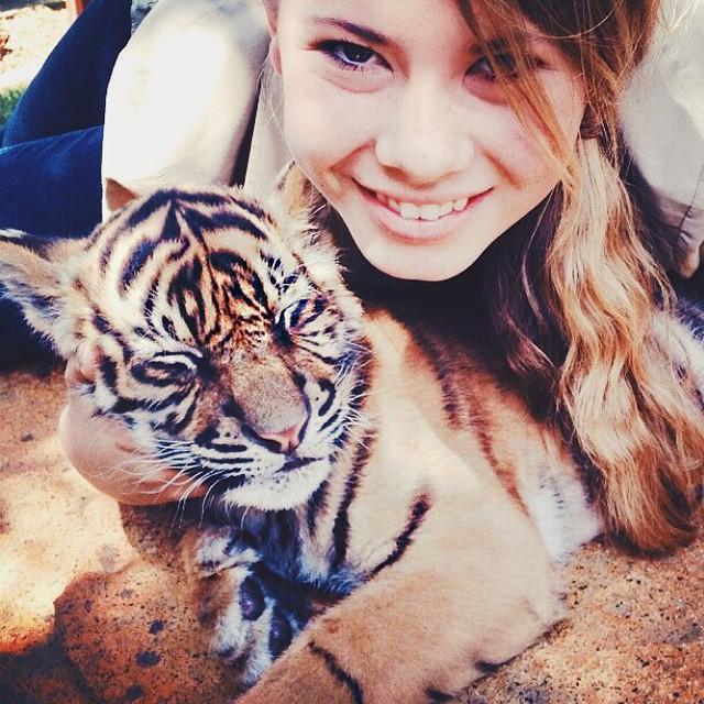 hija-bindi-steve-irwin-16-anos-legado-padre-australia-zoo (16)