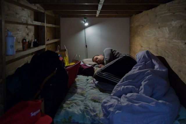 hotel-mochilero-japon-habitaciones-diminutas-won-kim (10)