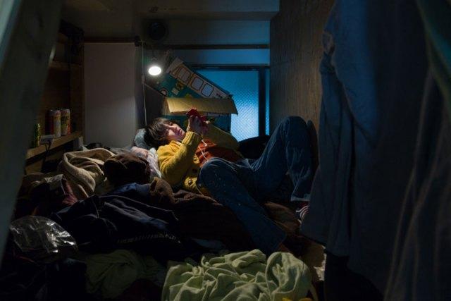 hotel-mochilero-japon-habitaciones-diminutas-won-kim (8)