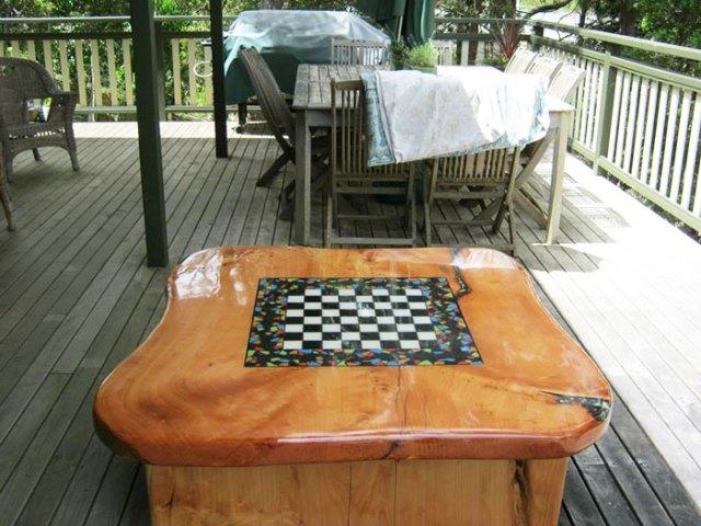 incrustaciones-transparentes-mesas-madera-wooden-by-design (3)