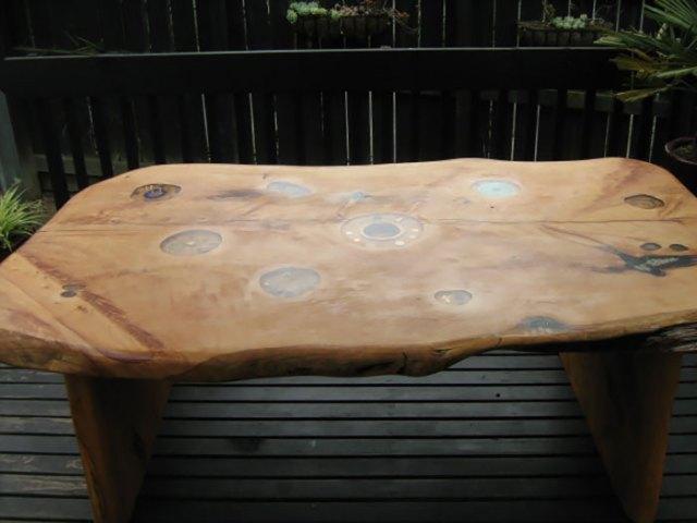 incrustaciones-transparentes-mesas-madera-wooden-by-design (7)