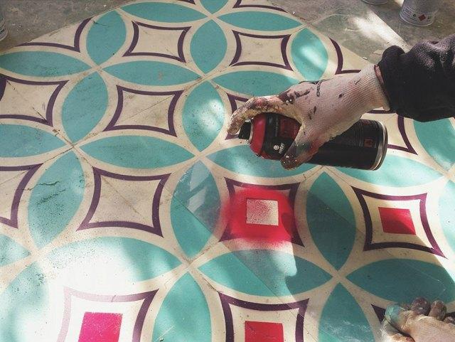 suelos-estampados-azulejos-graffiti-javier-de-riba (2)