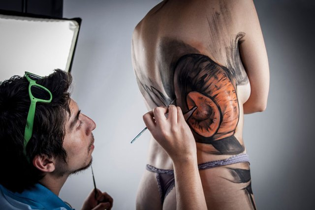 mujer-despedazandose-body-painting-jeampiere-dinamarca-poque (2)
