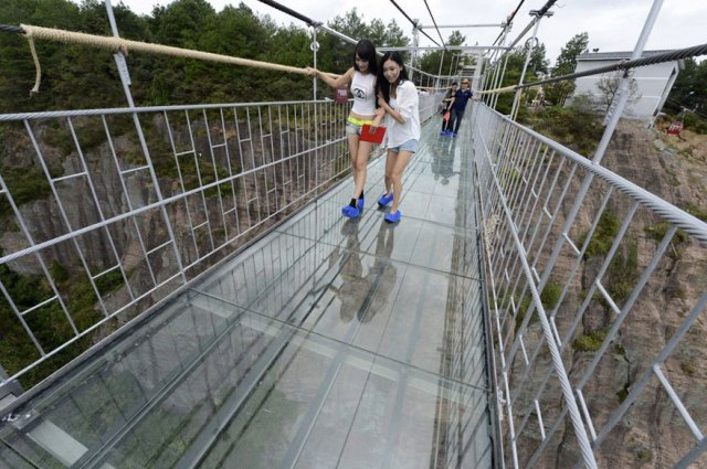 puente-suelo-cristal-hunan-china (3)
