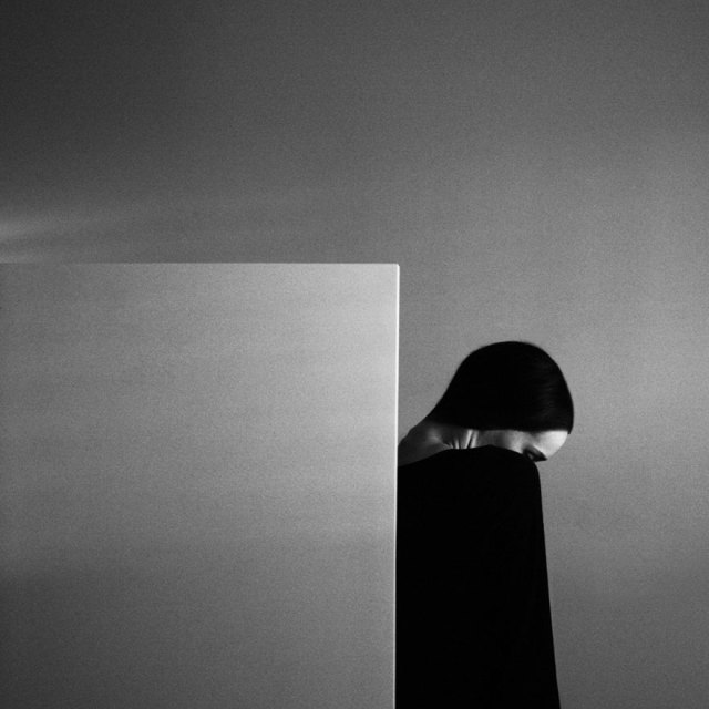 retratos-blanco-negro-ansiedad-noell-oszvald (13)