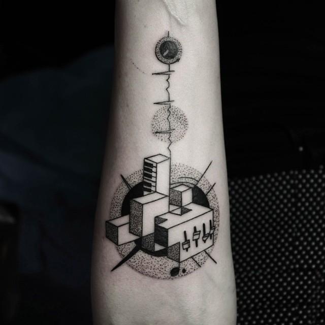 tatuajes-geometricos-minimalistas-okan-uckun (12)