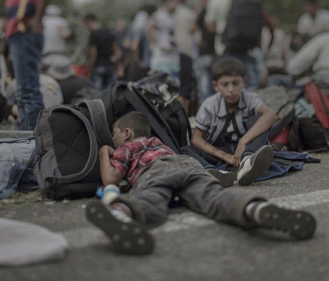 donde-ninos-duermen-fotos-refugiados-sirios-magnus-wennman (1)