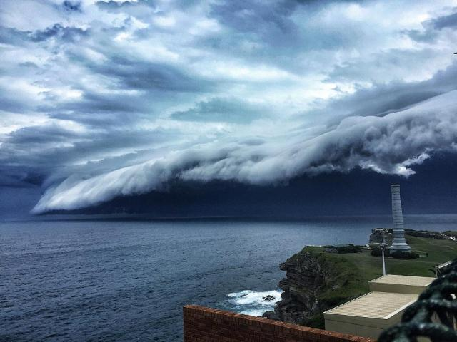 enorme-tsunami-nubes-sydney-australia (6)