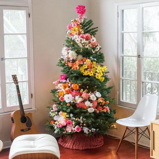 ideas-decoracion-arbol-navidad-flores (1)
