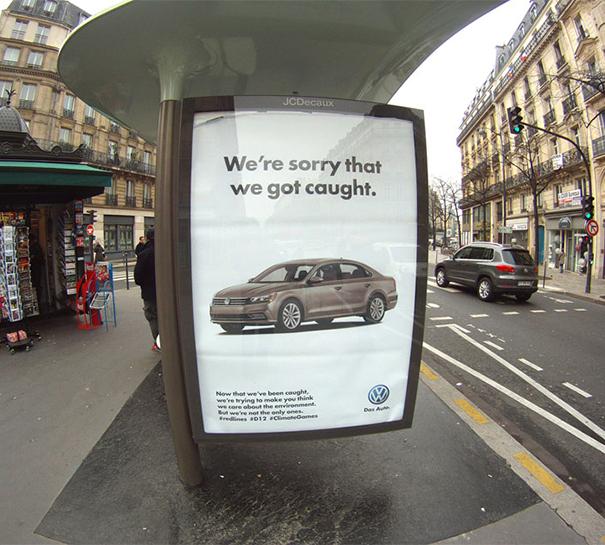 patrocinio-corporativo-publicidad-ambiental-cop21-brandalism-paris (3)