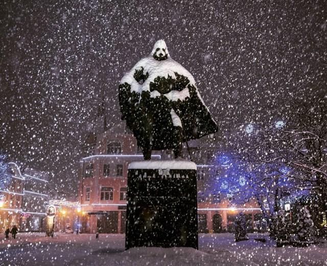 estatua-jakub-wejher-darth-vader-nieve-polonia (3)