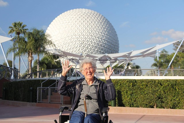 anciana-90-cancer-viaje-carretera-tratamiento (10)