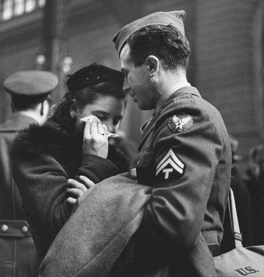 fotos-antiguas-parejas-tiempos-guerra (14)