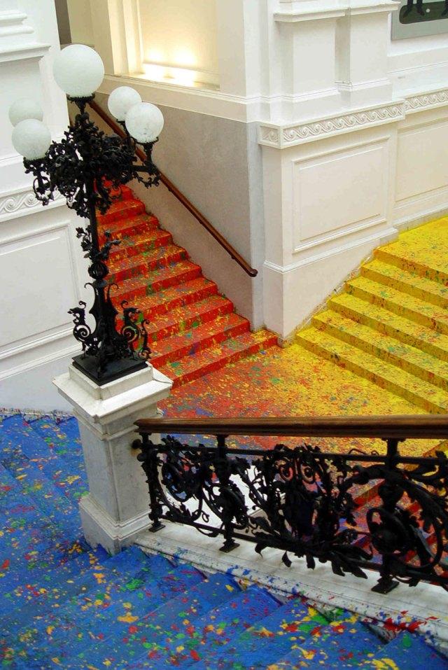 pintura-escalinata-galeria-zacheta-leon-tarasewicz-polonia (3)