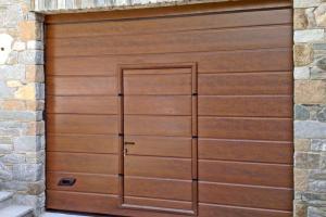 Гаражни и индустриални секционни врати