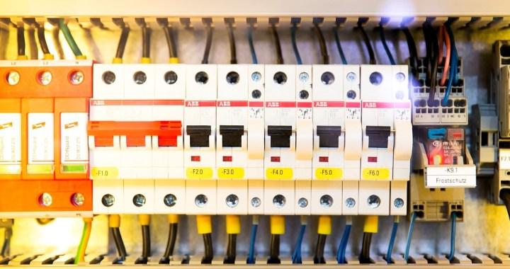 Монтаж електрическо табло