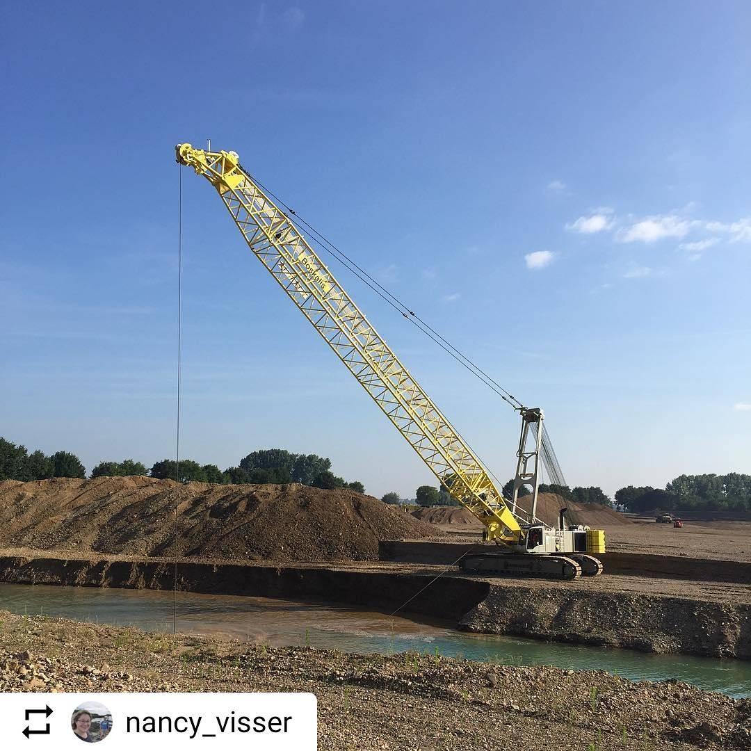#Repost @nancy_visser De werkzaamheden bij Trierveld zijn in volle gang! . #consortiumgrensmaas #boskalis #rivierverruiming #dekgrondberging #natuurontwikkeling #ontgrinding #baggeren #maas #trierveld #koeweide